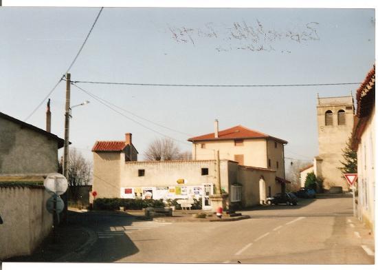 MAISON PREHER ET MUR D'AFFICHAGE.EN 1993.